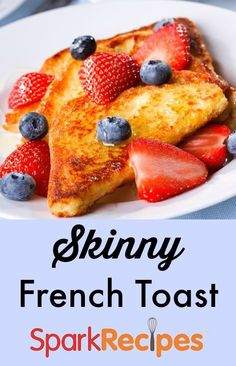 Light French Toast Recipe. French toast for breakfast just got a whole lot healthier! | via @SparkRecipes Simple French Toast Recipe, French Toast For One, Healthy French Toast, Low Calorie Recipes, Diet Recipes, French Toast Calories, Microwave French Toast, Free French, Low Calorie Breakfast