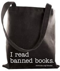I Read Banned Books Tote Bag - Clothing 73560947ac664