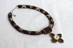 Marrone e oro perline collana con pendente e di BeadsGemsFlowers