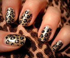 Leopardo en dorado y negro