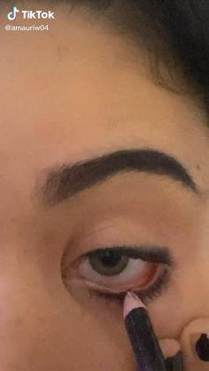 Punk Makeup, Indie Makeup, Eye Makeup Art, Makeup Inspo, Makeup Inspiration, Grunge Eye Makeup, Makeup Tutorial Eyeliner, No Eyeliner Makeup, Skin Makeup