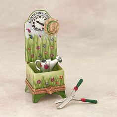 Limoges garden chair with tools box