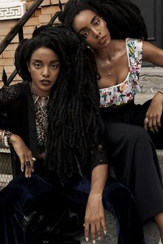 """Identical twins Cipriana and TK Quann challenge eurocentric and """"ideal"""" beauty standards with amazing natural hair Natural Hair Inspiration, Style Inspiration, Quann Sisters, Cipriana Quann, Ideal Beauty, Girls Magazine, Natural Women, Brown Girl, Girl Swag"""