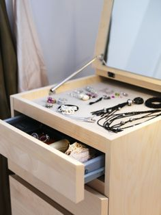 The MALM 6-drawer chest has a built-in mirror and practical storage for jewelry and undergarments.