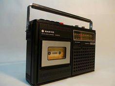 Cassette/radio-recorder..hier een Sanyo..goed merk