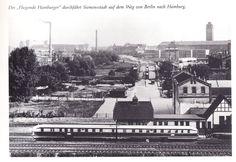 """Berlin 1930er Der """"Fliegende Hamburger"""" durchfaehrt Siemensstadt auf dem Weg von Berlin nach Hamburg"""
