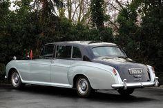 HJ Mulliner Phantom V Touring Limousine 1961 Rolls Royce Limousine, Rolls Royce Cars, Bentley Rolls Royce, Rolls Royce Silver Cloud, Rolls Royce Phantom, Maybach, Chevrolet Corvette, Vintage Cars, Touring