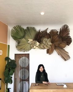 A dried palm floral installation by Rawfinery in Long Beach, CA Dried Flower Arrangements, Floral Centerpieces, Dried Flowers, Deco Floral, Arte Floral, Floral Design, Hanging Flowers, Paper Flowers, Flower Installation