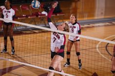 There's no getting past #Elon women's volleyball middle blocker Catherine Head!