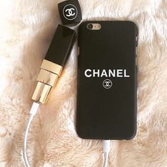 """LOVE this case & portable lipstick CHARGER from our friends @PHONEFRENZII Follow @PHONEFRENZII for the latest cell phone accessories & much more‼️ Website: http://mkt.com/FitzMobile"""""""