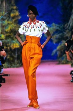 Christian Lacroix Spring 1988 Couture Fashion Show Collection: See the complete Christian Lacroix Spring 1988 Couture collection. Look 8 Fashion Show Collection, Couture Collection, Access Fashion, Christian Lacroix, Fashion Shoot, Fashion History, Traditional Dresses, Street Style Women, Couture Fashion