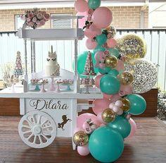 Simplicidade que encanta ❤ from @maridofesteiro - Simples não precisaria de mais nada na festa!! Uma decoração como a gente gosta!…