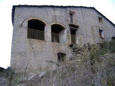 Pueblos deshabitados: El Meüll #pallarsjussa #despoblats #pueblosabandonados Casa Castell