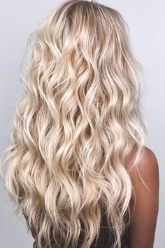 Beach Blonde Hair, Beautiful Blonde Hair, Blonde Hair Shades, Blonde Wavy Hair, Light Blonde Hair, Blonde Hair Looks, Highlights In Blonde Hair, Blonde Hair For Summer, Long Bronde Hair