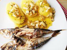 E hoje uma receita tipicamente portuguesa, carapaus com molho a espanhola, deliciosa e muito apreciada nesta época do verão. Ingredientes (para 2 pessoas) 4 carapaus 3 batatas médias meia cebola 1 ...
