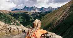 Alberta's Surreal Mountain Top Hot Spring Has To Be On Your Spring Bucket List - Narcity Best Hikes, What Is Life About, Hot Springs, Rocky Mountains, Beautiful Landscapes, The Locals, Surrealism, Mists, Waterfall