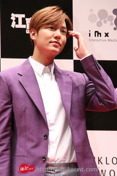 [Japan NEWS ]   http://hot-korea.com Lee Min Ho   2015 July 13 (Sunday) Movie Premier : Gangnam1970 at Yokohama, Japan   [画像】イ・ミンホ来日!主演映画『江南ブルース』記者会見@パシフィコ横浜