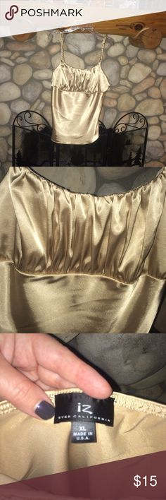 🍾🌸GORGEOUS CHAMPAGNE SILKY CAMISOLE CHAMPAGNE SILKY LOOKING CAMI , GATHERED BODICE . LOOKS GREAT WITH BLACK SKIRT OR PANTS . BEST FIT UP TO SIZE 12 IZ Tops Camisoles
