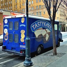 tastykake, a philly tradition. Give me a cheesy wiz steak and a butterscotch crimpit . Taste Of Philly, Philly Style, South Philly, Brotherly Love, Good Neighbor, Jersey Girl, By Train, Thats The Way, Philadelphia Eagles