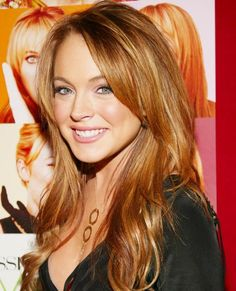 """Lindsay Lohan when she was super cute and the hottest thing to happen to """"Mean Girls. Korean Hairstyles Women, Redhead Hairstyles, Cool Hairstyles, Lindsay Lohan Hair, Hair Color For Fair Skin, Natural Redhead, Gorgeous Redhead, Japanese Hairstyle, Actrices Hollywood"""