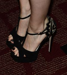 """Kate Mara Photos - Actress Kate Mara (shoe detail) attends the premiere of Magnolia Pictures' """"Deadfall"""" at the at the ArcLight Cinemas on November 29, 2012 in Hollywood, California. - Premiere Of Magnolia Pictures' """"Deadfall"""" - Red Carpet"""