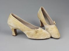 Manila - Pair of wedding shoes - Leather sole and upper; upper covered in machine-stitched cream silk jersey velvet. 1930s Shoes, Wax Flowers, Wedding Shoes, Leather Shoes, Peep Toe, Velvet, Pairs, Manila, Heels