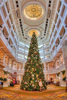 Grand Floridian Lobby Vertical by Photomatt28, via Flickr 14mm lens