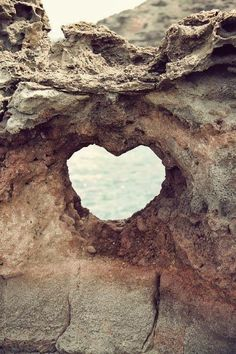 Need to find this heart in the rock next time in Maui. Heart near Nakahele Blowhole in Maui, Hawaii. Heart In Nature, All Nature, Ocean Heart, Amazing Nature, Beach Heart, Nature Images, Nature Photos, Oh The Places You'll Go, Places To Travel