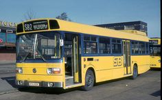 London Country Leyland National KPA102K Super Bus Livery Colour Photograph | eBay London Transport, Public Transport, Manchester Buses, Bus Coach, London Bus, Chrysler 300, Bus Driver, Busses, Cover Photos