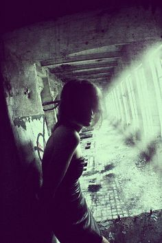 Homecoming Female Character Inspiration, Story Inspiration, Writing Inspiration, Prison Cell, Light Rays, Wanderland, Telling Stories, My Character, Post Apocalyptic
