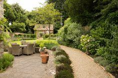 Transformation of a small English Garden Small English Garden, Private Garden, Small Gardens, Trees To Plant, Creative Art, Garden Design, Cottage, Plants, Little Gardens