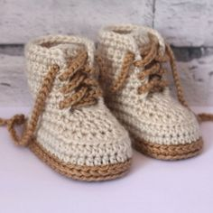 Combat Boot crochet pattern by Inventorium