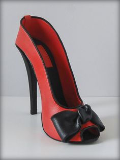 SugarEd Productions Online Classes- High heeled shoe