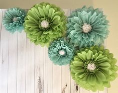 Large sage and blue paper flower backdrop for baby showers, bridal showers, party decor and photo backdrops by MacaroniMinx on Etsy Paper Sunflowers, Paper Flowers Craft, Giant Paper Flowers, Flower Crafts, Paper Daisy, Pink Paper, Diy Backdrop, Paper Flower Backdrop, Daisy Background