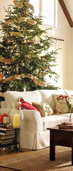 Rustic Country Christmas Decorating Ideas - this is an excellent post - Tracy Svendsen, via Canadian Log Homes Country Christmas Decorations, Rustic Christmas, Christmas Home, Christmas Holidays, Natural Christmas, Christmas Ideas, Live Christmas Trees, Merry Little Christmas, All Things Christmas