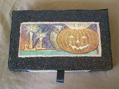 Jolly Halloween decorative box