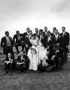 Em 12 de setembro de 1953, Massachusetts o senador John F. Kennedy, o futuro presidente 35 dos Estados Unidos, casa-se com Jacqueline Bouvie...