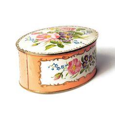 Biscuit Blechdose Decorative Boxes, Home Decor, Tin Lunch Boxes, Floral Patterns, Decoration Home, Room Decor, Home Interior Design, Decorative Storage Boxes, Home Decoration