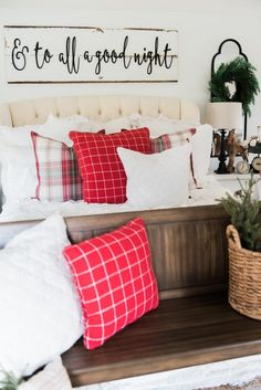 Cozy cheerful farmhouse Christmas bedroom - A must pin for farmhouse & cottage style Christmas decor inspiration! Christmas Bedroom, Farmhouse Christmas Decor, Cozy Christmas, Simple Christmas, Farmhouse Decor, Christmas Ideas, Winter Bedroom, Christmas Signs, Christmas 2016