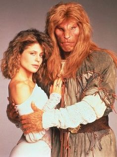 """""""Beauty and the Beast"""" with Vincent (Ron Perlman) and Catherine (Linda Hamilton) Best TV series - ever Ron Perlman, Arnold Et Willy, Mejores Series Tv, Vincent And Catherine, 80 Tv Shows, Vintage Tv, Classic Tv, Beauty And The Beast, Beauty Beast"""