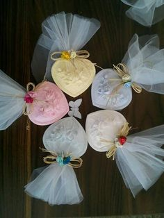 How to Use Wedding Favor Sayings to Personalize Your Wedding Favor Choices Wedding favors guide! Wedding Favor Sayings, Soap Wedding Favors, Creative Wedding Favors, Inexpensive Wedding Favors, Custom Wedding Favours, Soap Favors, Wedding Gifts For Guests, Bridal Shower Favors, Wedding Ideas