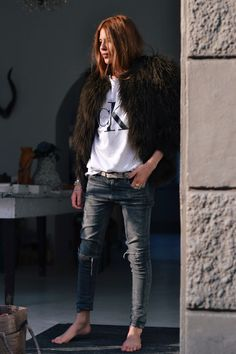 white t-shirt, jeans and fake fur...
