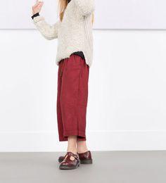 Imagem 1 de Calças fluidas com cinto da Zara