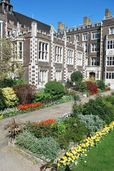 Middle Temple Hall & Gardens ~ London, England