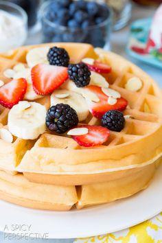 Best Homemade Waffles - Yogurt Vanilla Bean Waffles #breakfast #waffles