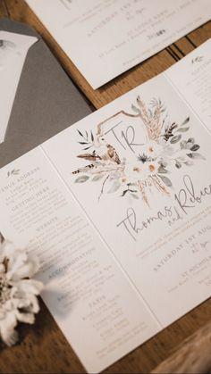 Couple monogram with owl and pampas grass. Eucalyptus wedding stationery. Wedding invites with boho designs.