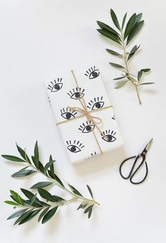 DIY handmade gift wrap tutorial