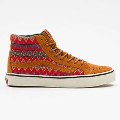 The Vans Sk8-Hi Sneaker is made from high-quality suede on the upper portion. American woven fabric makes up the patterned part of the shoe with waxed round laces tying it all together. Two colorways are available: brown/red and black/yellow; and the inside of the shoe is completed with a two-tone lining that provides a comfortable fit.