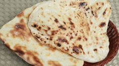 Butter Naan - Indian Flat Bread Recipe By Ruchi Bharani [HD] (+playlist) Recipes With Naan Bread, Flatbread Recipes, Indian Food Recipes, Asian Recipes, Indian Flat Bread, Indian Breads, Roti Recipe, Low Calorie Recipes, Curry Recipes