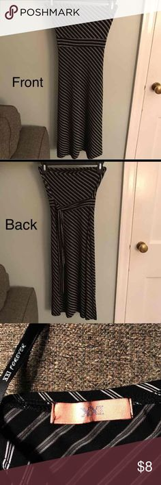 Forever 21 Sexy Black Strapless Dress Super Sexy, but still sophisticated dress. Slimming Diagonal Stripes 80% Polyester, 15% Rayon, 5% Spandex Labeled as Small, but it fits more as XS 👗All items are mine and were purchased by me or gifted to me for my use. 📩 Mailed same or next day! ✅ Feel free to make offers via the offer button.  ❌ No lowball offers. Keep in mind the 20% Posh fee that will be deducted as well. Forever 21 Dresses Strapless